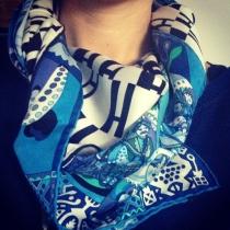 scarf details